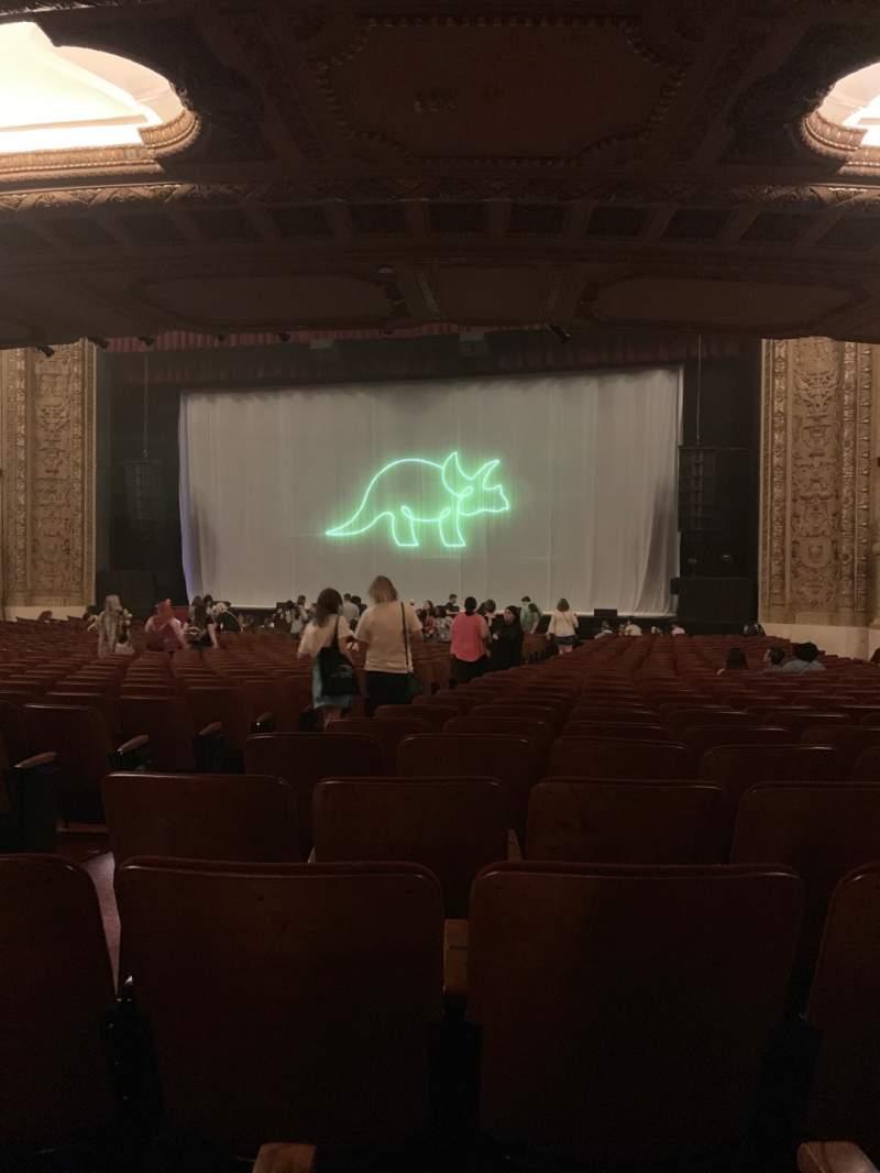 Vista sentada para Chicago Theatre Secção MNFL3R Fila P Lugar 306