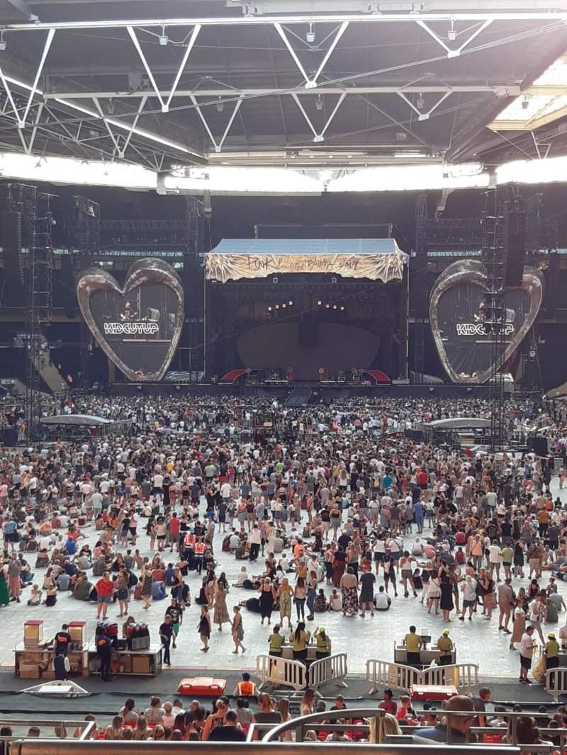 Vista sentada para Wembley Stadium Secção 111 Fila 40 Lugar 254