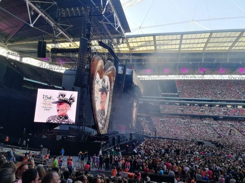 Vista sentada para Wembley Stadium Secção 126 Fila 24 Lugar 95