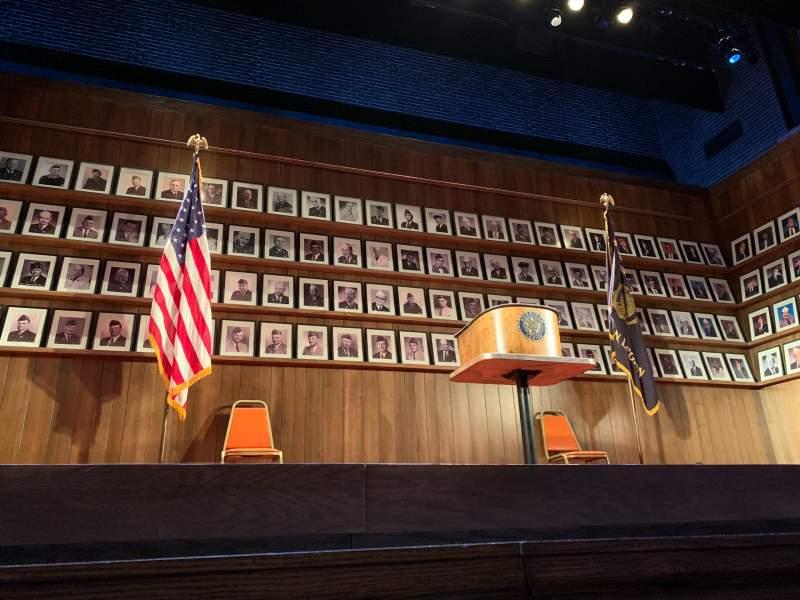 Vista sentada para Hayes Theater Secção Orchestra C Fila A Lugar 109