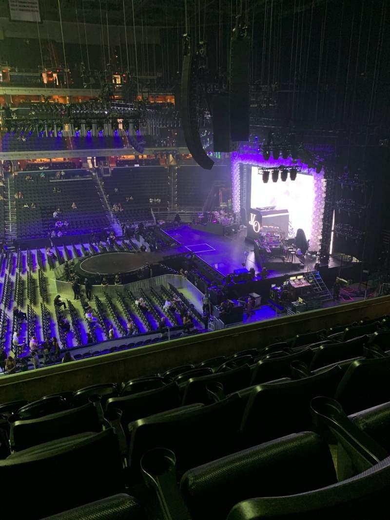 Vista sentada para Capital One Arena Secção 216 Fila F Lugar 6
