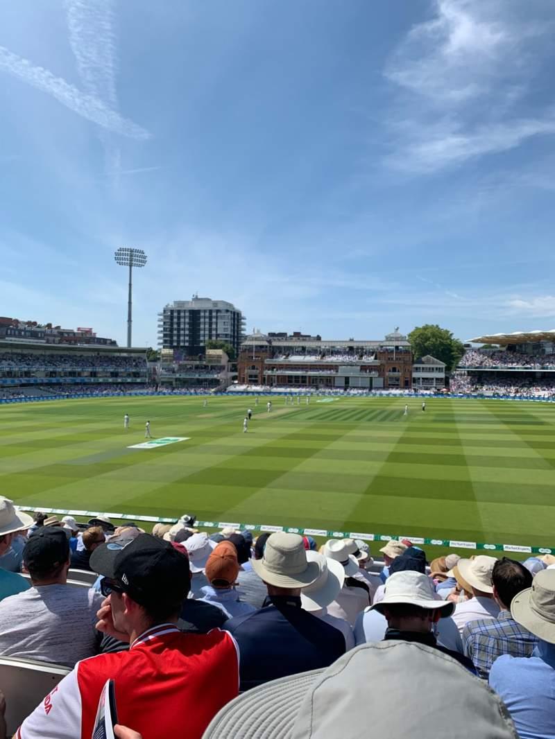 Vista sentada para Lord's Cricket Ground Secção Upper Compton Stand Fila K Lugar 123