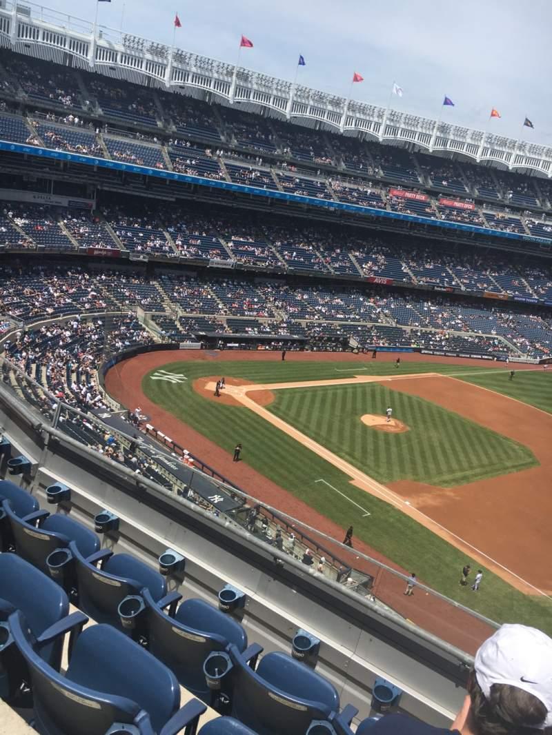 Vista sentada para Yankee Stadium Secção 313 Fila 5