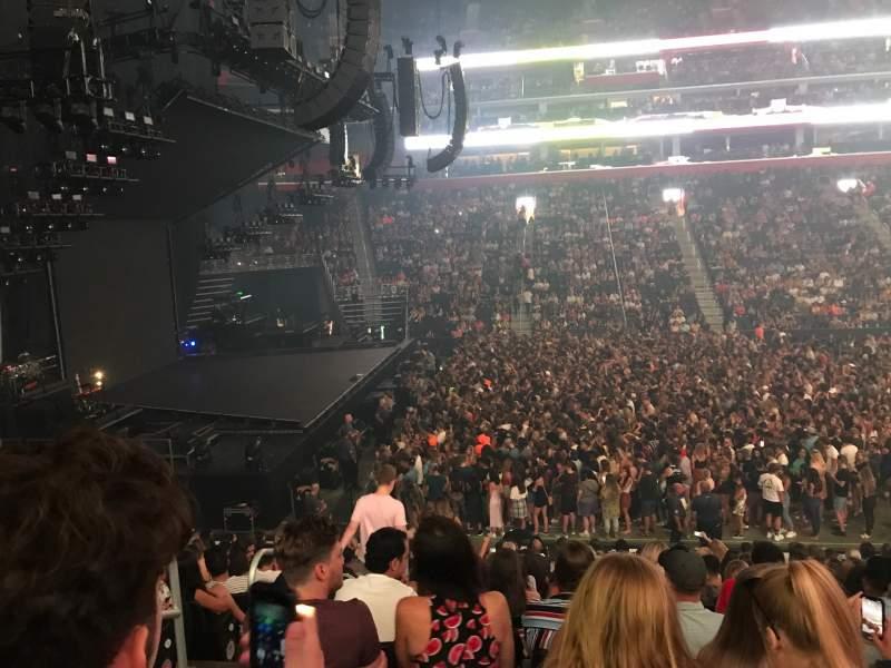 Vista sentada para Little Caesars Arena Secção 124 Fila 17 Lugar 17