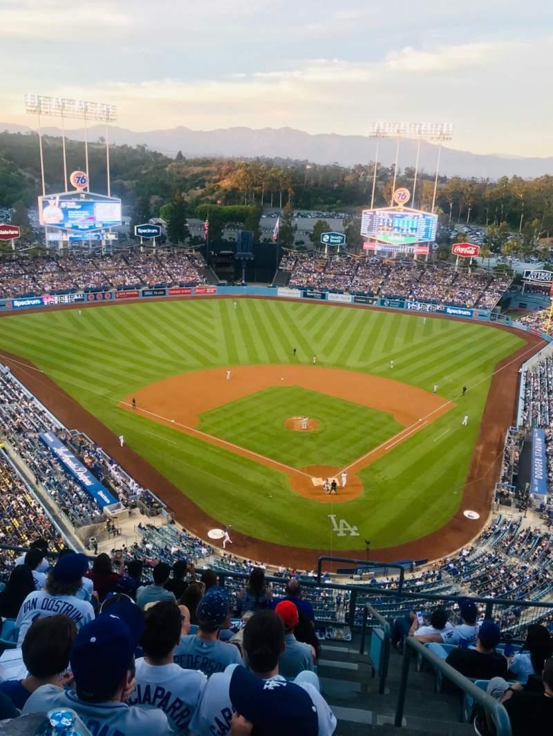 Vista sentada para Dodger Stadium Secção 5TD Fila J Lugar 1
