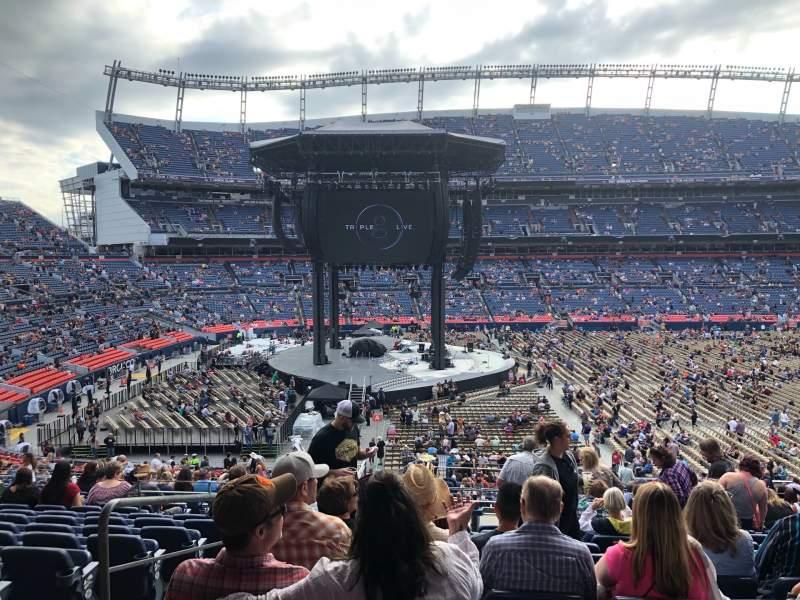 Vista sentada para Empower Field at Mile High Stadium Secção 125 Fila 41 Lugar 23