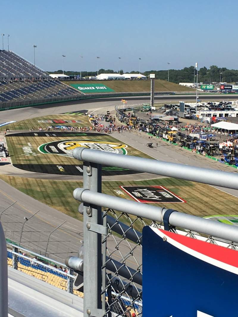 Vista sentada para Kentucky Speedway Secção KyTower H Fila 4 Lugar 28