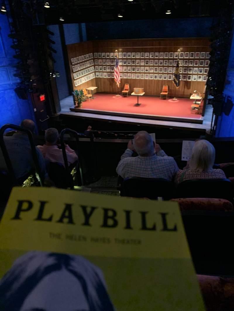 Vista sentada para Hayes Theater Secção Mezzanine R Fila E Lugar 4