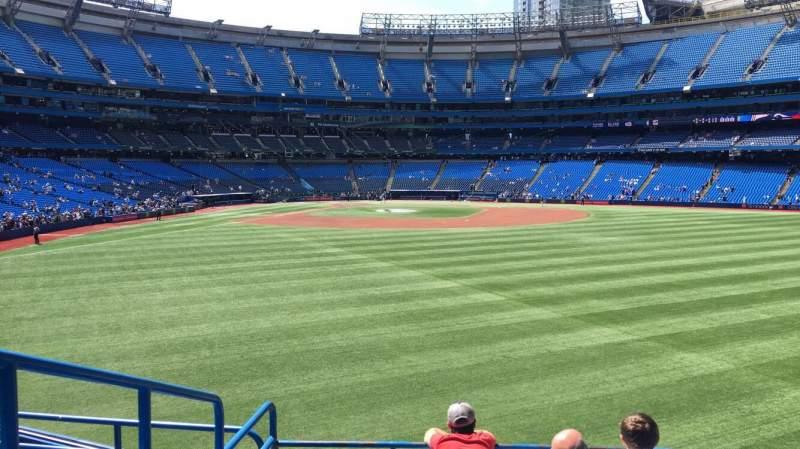 Vista sentada para Rogers Centre Secção 104L Fila 6 Lugar 109