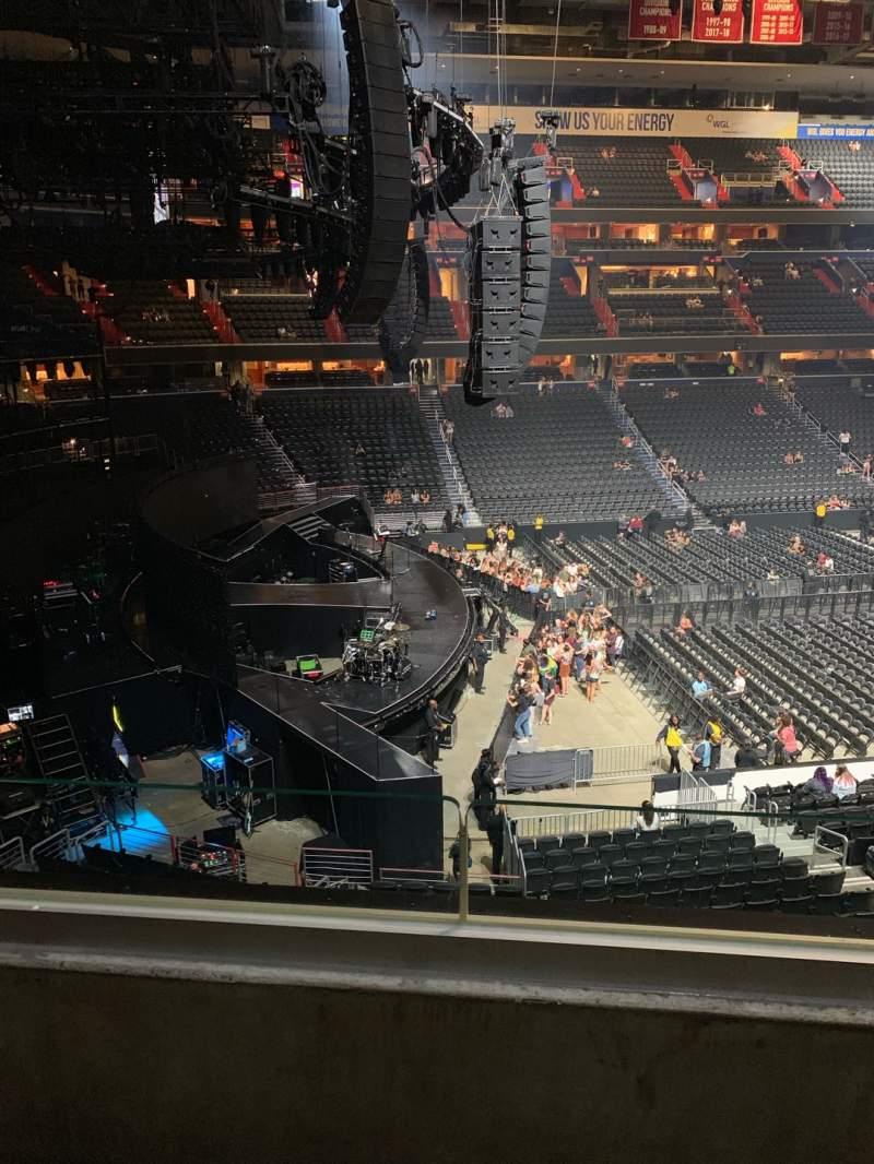 Vista sentada para Capital One Arena Secção 227 Fila B Lugar 8
