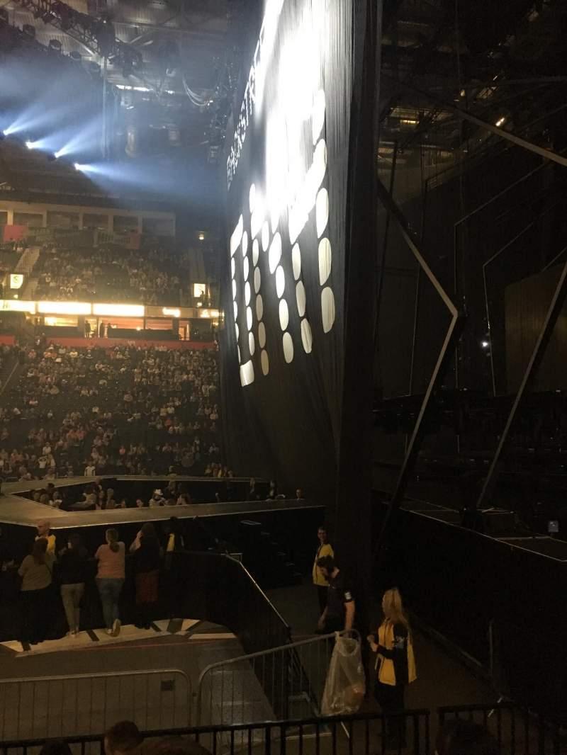 Vista sentada para Manchester Arena Secção 115 Fila F Lugar 19