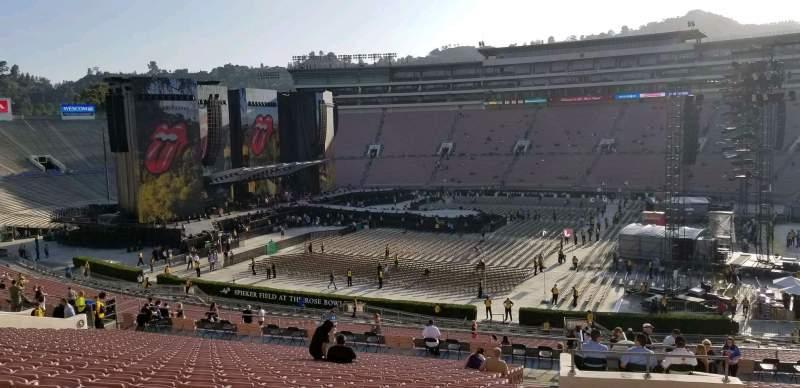 Vista sentada para Rose Bowl Secção 6-L Fila 56 Lugar 3