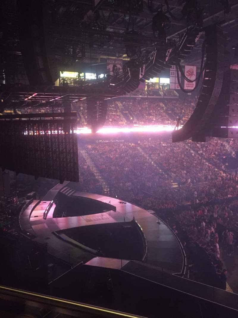 Vista sentada para Mohegan Sun Arena Secção 120 Fila B Lugar 13