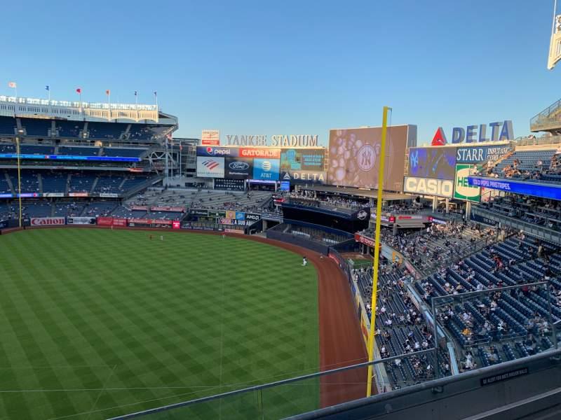 Vista sentada para Yankee Stadium Secção 310 Fila 3 Lugar 5
