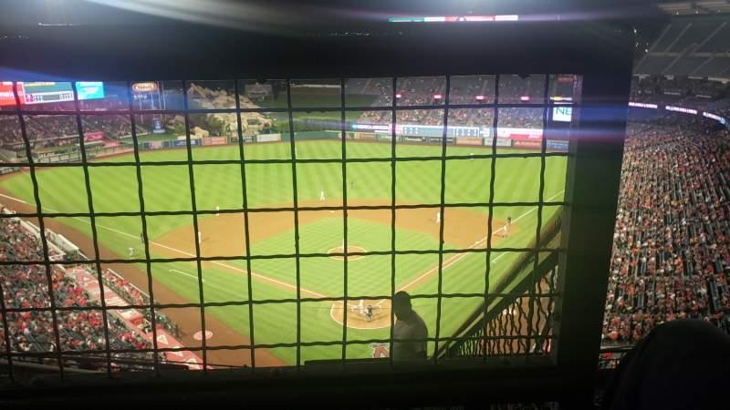 Vista sentada para Angel Stadium Secção V519 Fila E Lugar 18