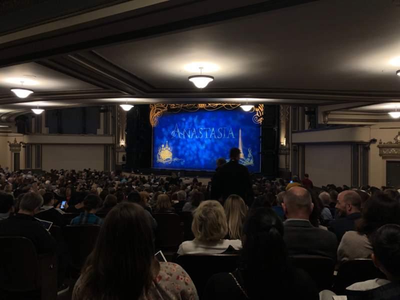 Vista sentada para Golden Gate Theatre Secção Orchestra R Fila BB Lugar 32