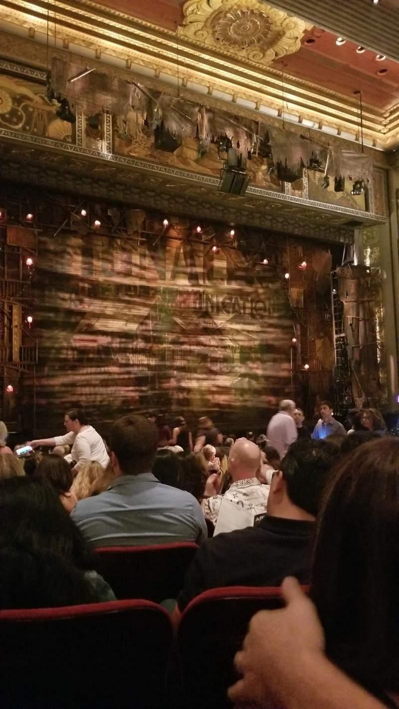Vista sentada para Hollywood Pantages Theatre Secção Orchestra LC Fila T Lugar 311