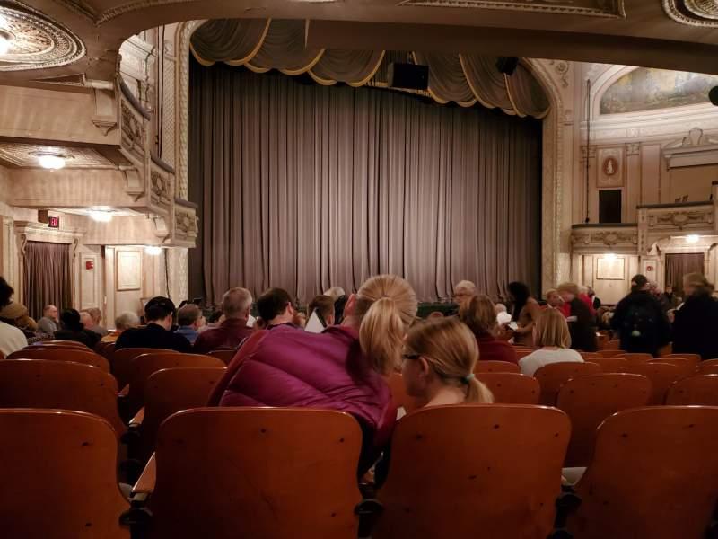 Vista sentada para Merriam Theater Secção Orchestra L Fila R Lugar 23