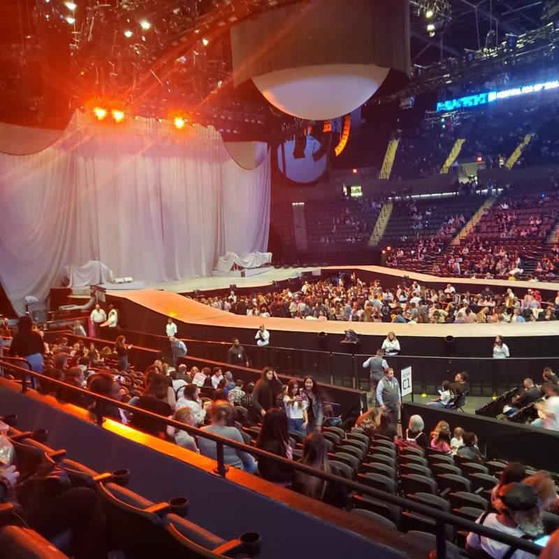Vista sentada para Nassau Veterans Memorial Coliseum Secção 117 Fila 3 Lugar 1