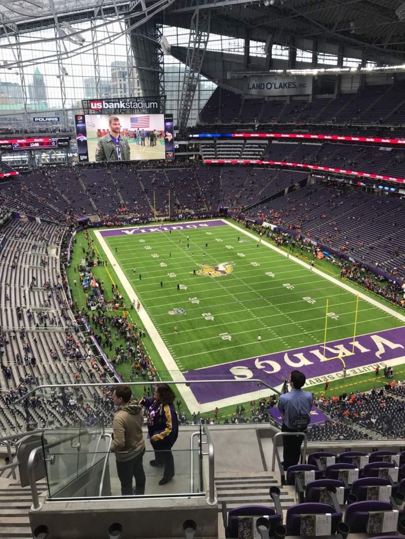 Vista sentada para U.S. Bank Stadium Secção 330 Fila 8 Lugar 15