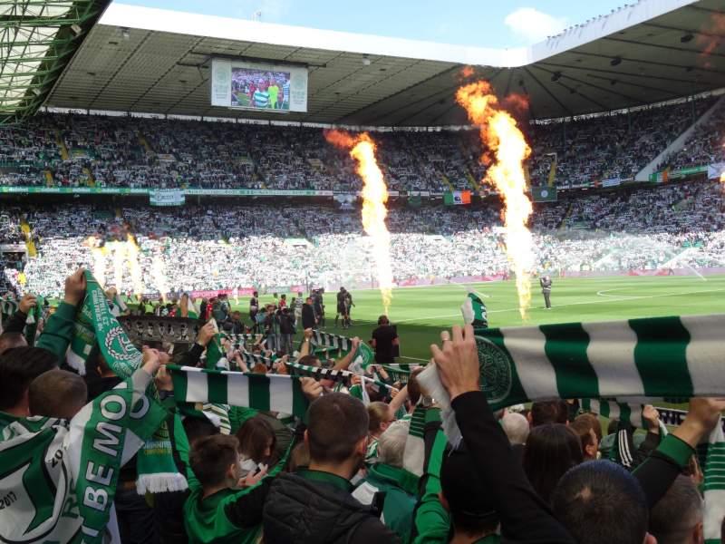 Vista sentada para Celtic Park Secção FS6 Fila 10