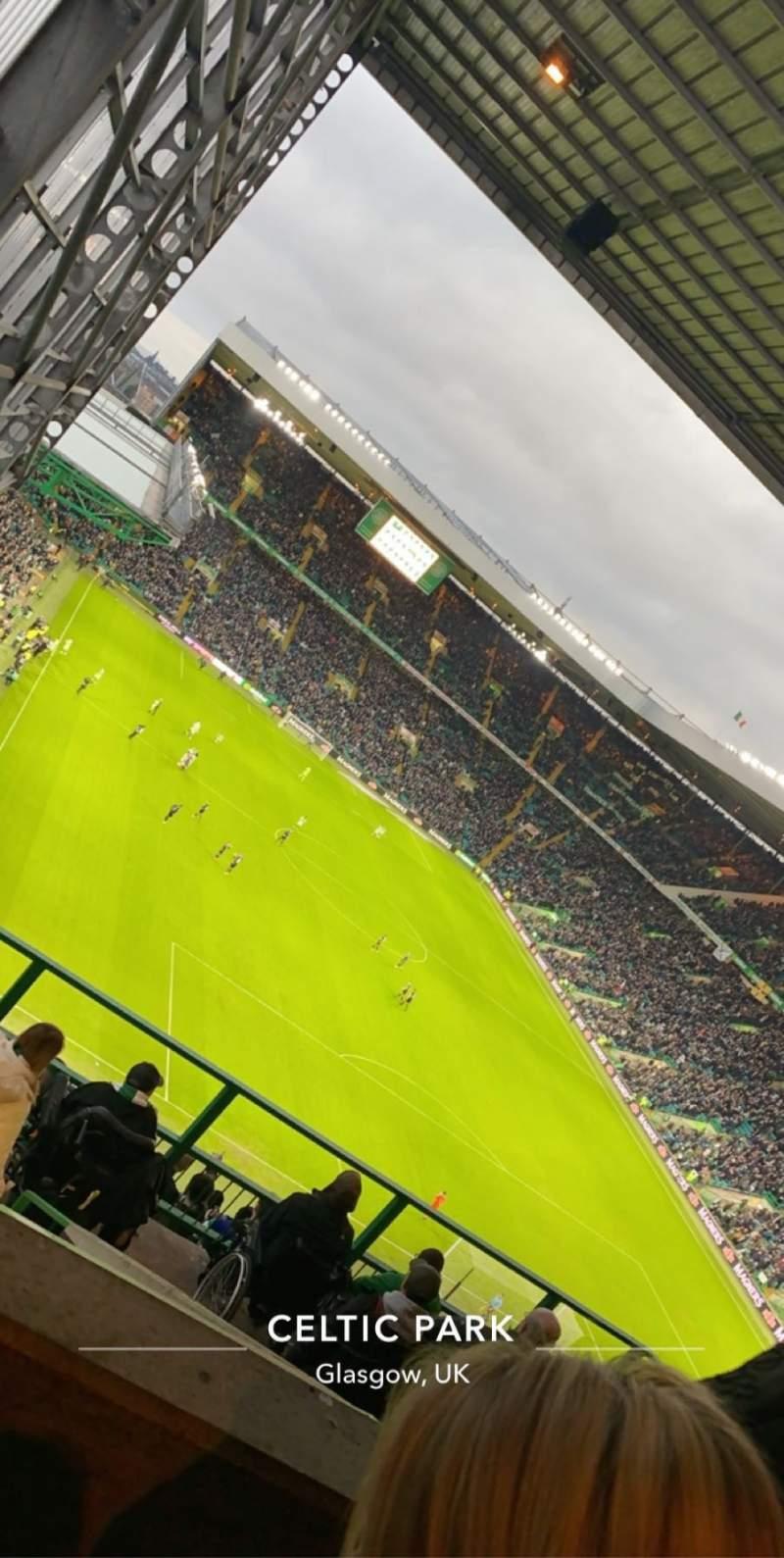 Vista sentada para Celtic Park Secção 419 Fila Q Lugar 13