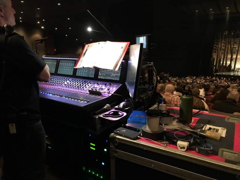 Vista sentada para Bass Concert Hall Secção Orchestra Fila Hh Lugar 125