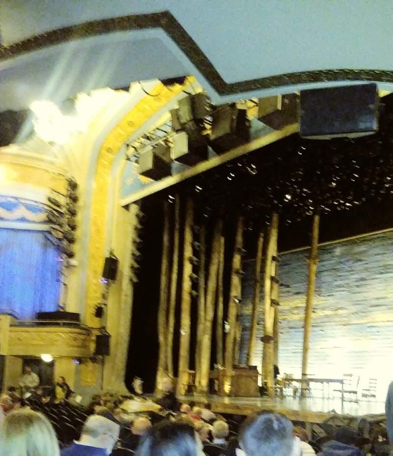 Vista sentada para Gerald Schoenfeld Theatre Secção Orchestra R Fila M Lugar 28
