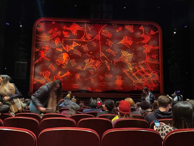 Vista sentada para Minskoff Theatre Secção Orchestra C Fila P Lugar 110