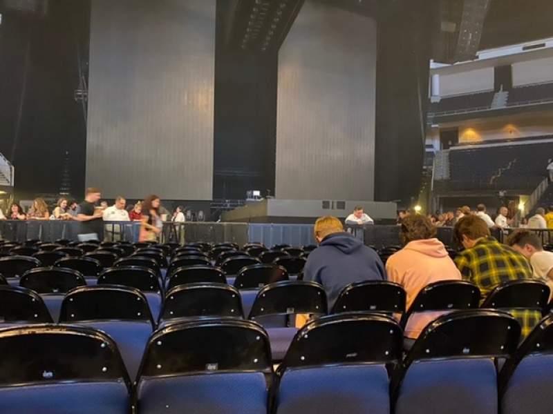 Vista sentada para Infinite Energy Arena Secção Floor 2 Fila L Lugar 6