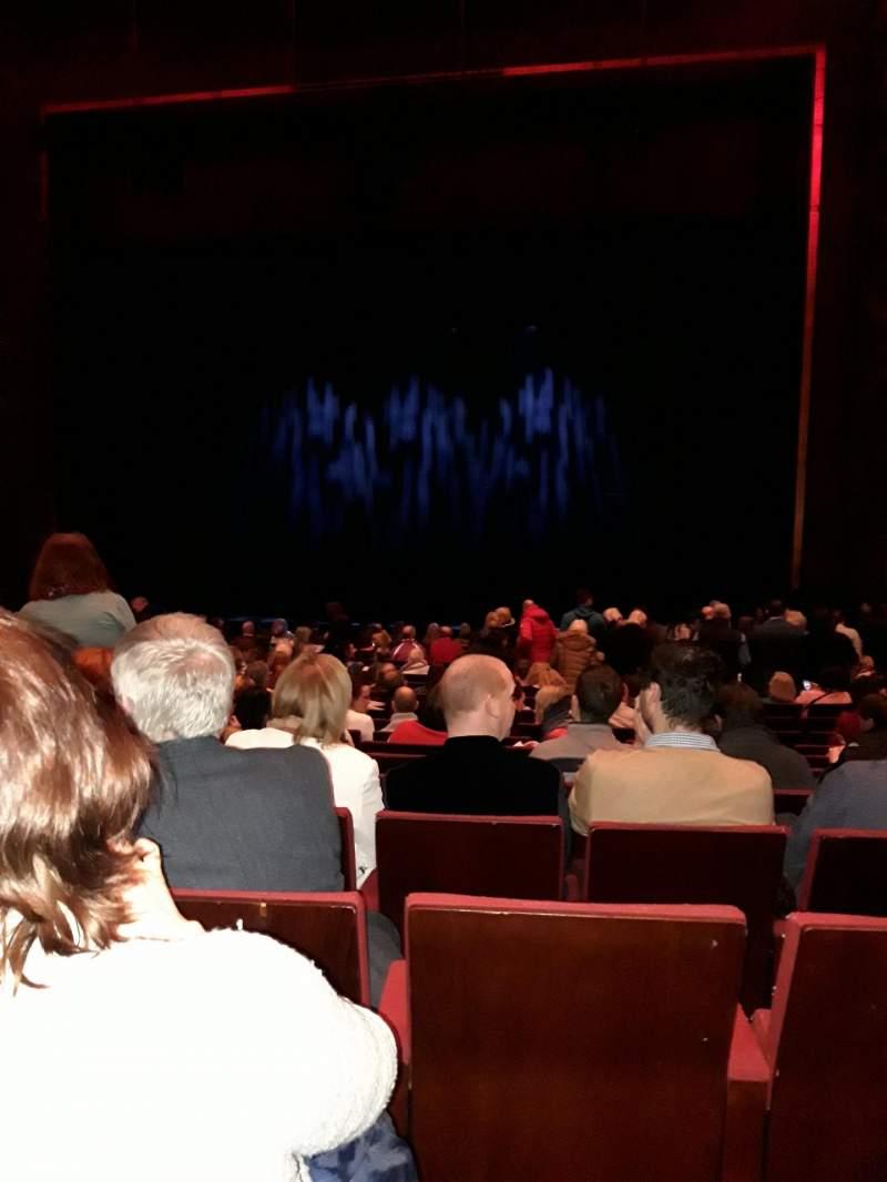 Vista sentada para Bord Gais Energy Theatre Secção Stalls Fila V Lugar 34