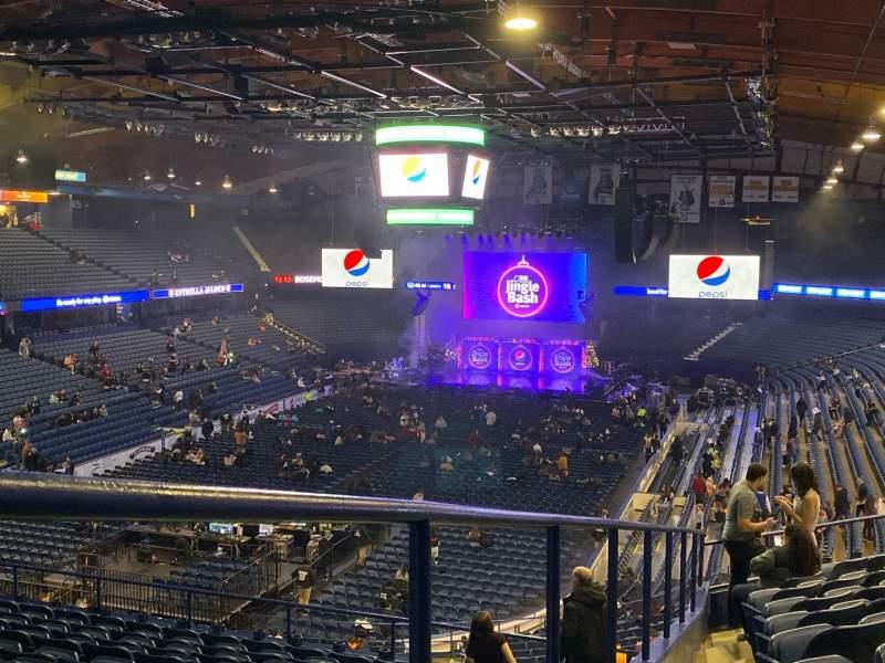 Vista sentada para Allstate Arena Secção 213 Fila K Lugar 63