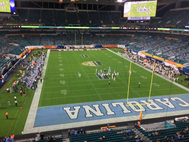 Vista sentada para Hard Rock Stadium Secção 334 Fila 1 Lugar 1