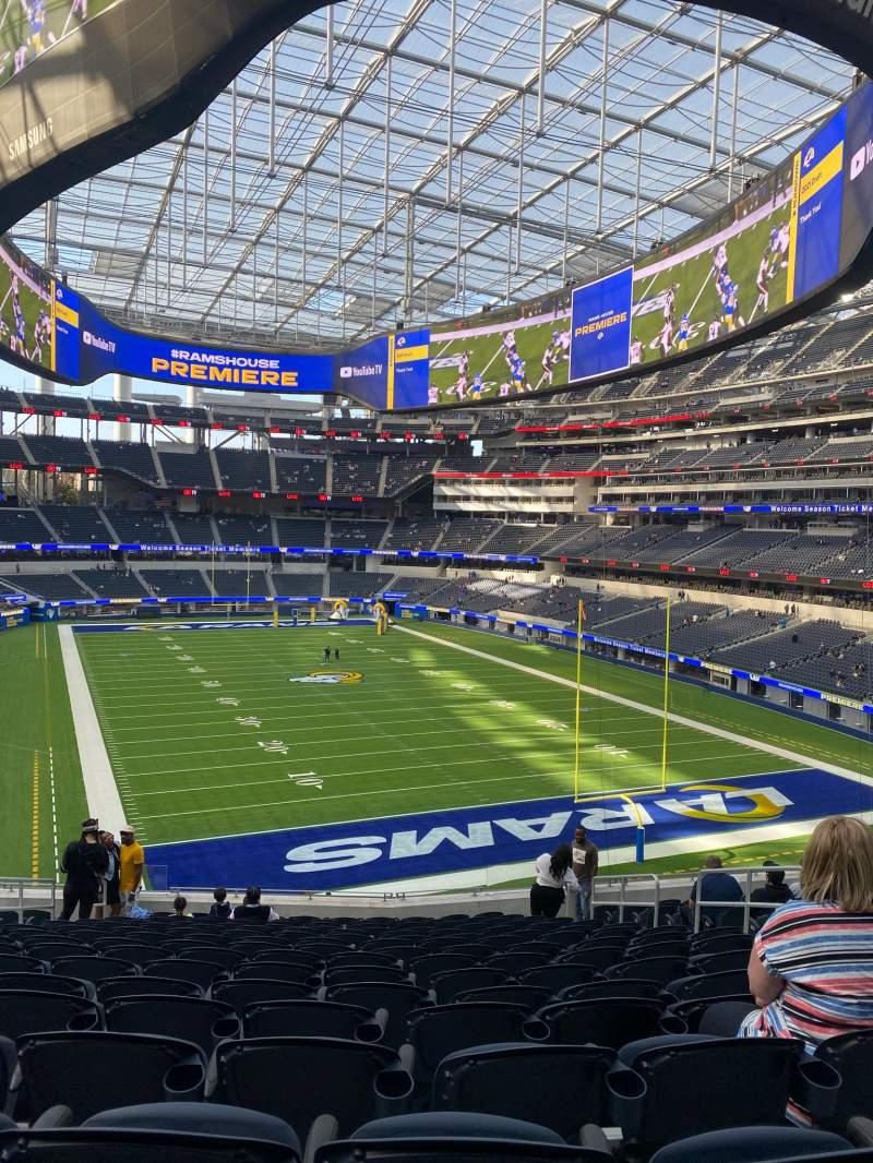 Vista sentada para SoFi Stadium Secção 230 Fila 16 Lugar 8