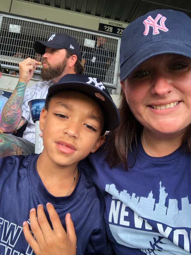 Vista sentada para Yankee Stadium Secção 228 Fila 17 Lugar 21