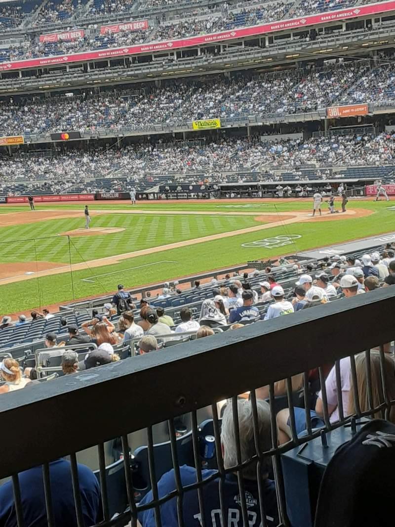 Vista sentada para Yankee Stadium Secção 127A Fila 16W Lugar 10