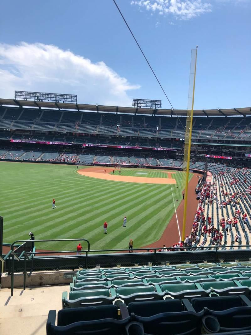 Vista sentada para Angel Stadium Secção 301