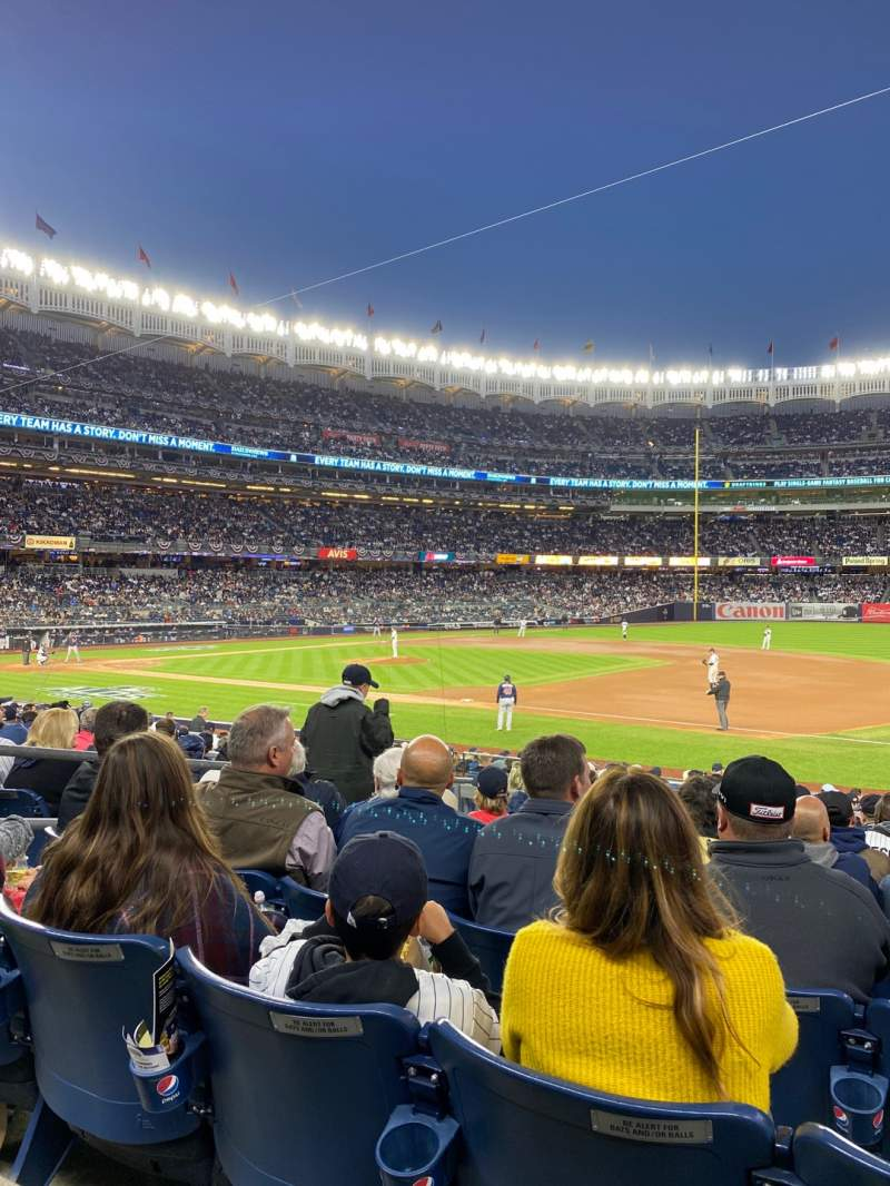 Vista sentada para Yankee Stadium Secção 114a Fila 9 Lugar 9