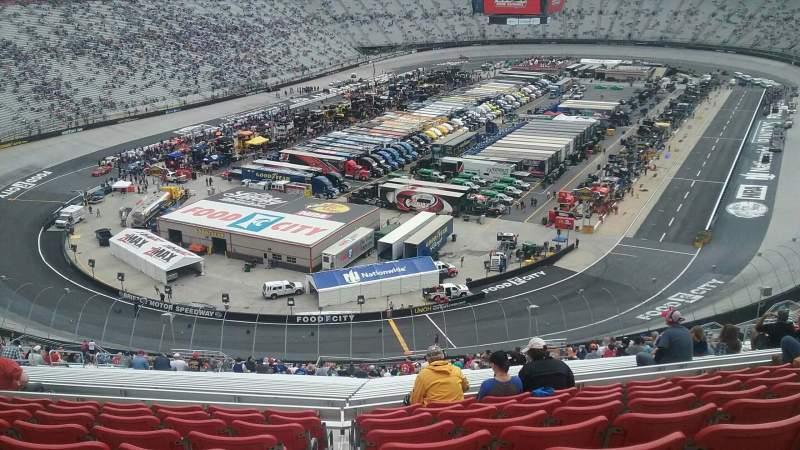 Vista sentada para Bristol Motor Speedway Secção Kulwicki Terrace C Fila 9 Lugar 19