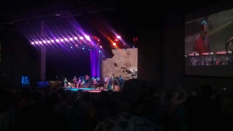 Vista sentada para PNC Music Pavilion Secção 4 Fila R Lugar 32