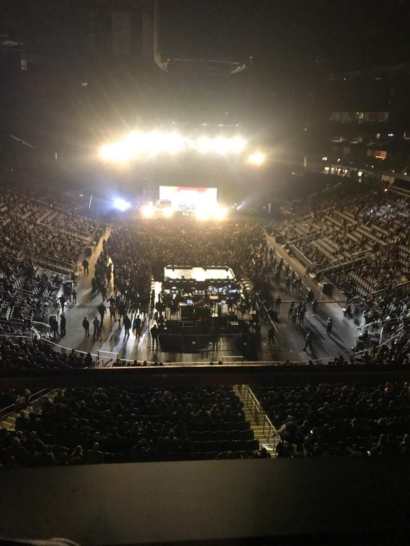 Vista sentada para State Farm Arena Secção 215 Fila A Lugar 21