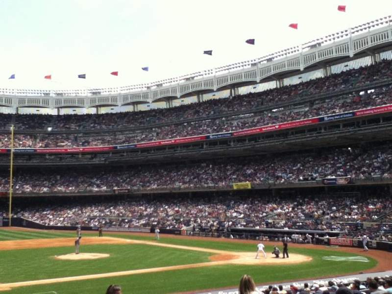 Vista sentada para Yankee Stadium Secção 025 Fila 13 Lugar 5