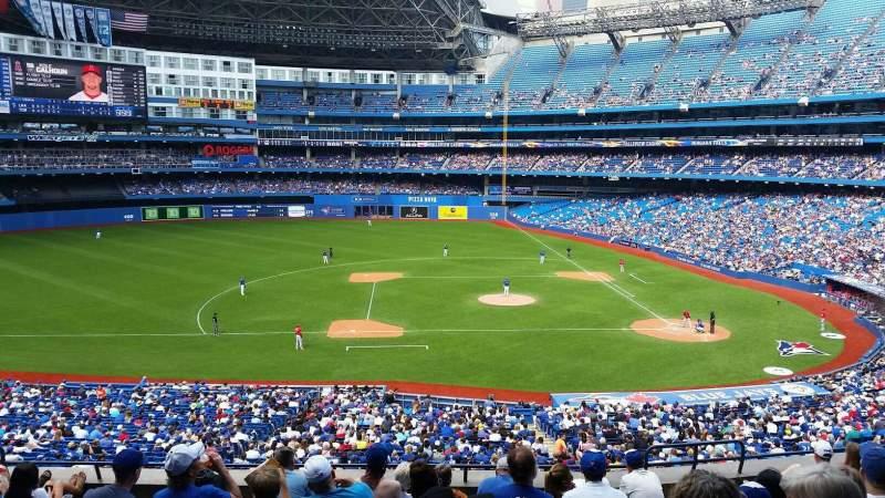 Vista sentada para Rogers Centre Secção 229L Fila 10 Lugar 104