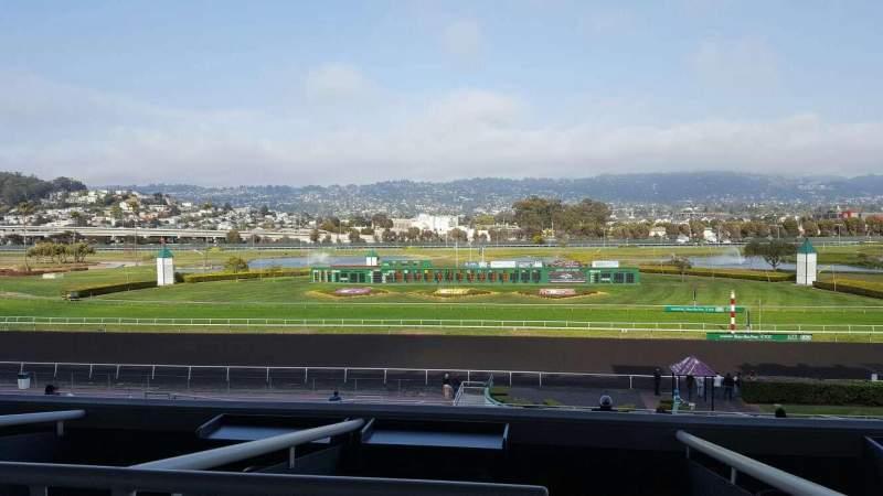 Vista sentada para Golden Gate Fields Secção 324 Fila A Lugar 1