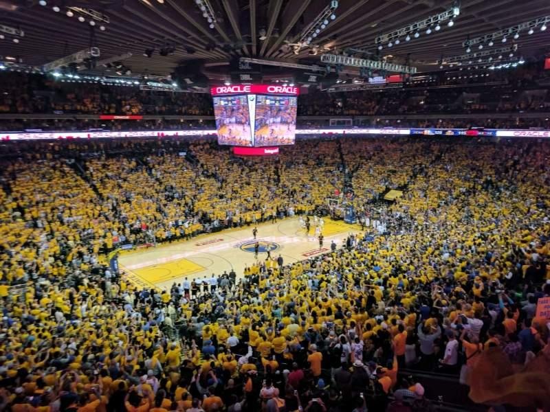 Vista sentada para Oakland Arena Secção M15 Fila 2 Lugar 3