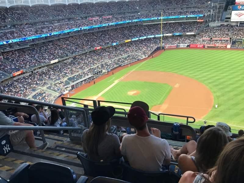 Vista sentada para Yankee Stadium Secção 414 Fila 9 Lugar 24