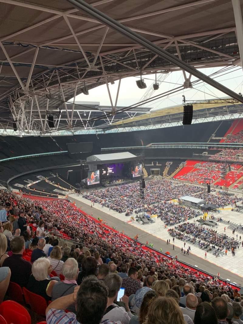Vista sentada para Wembley Stadium Secção 521 Fila 30 Lugar 230