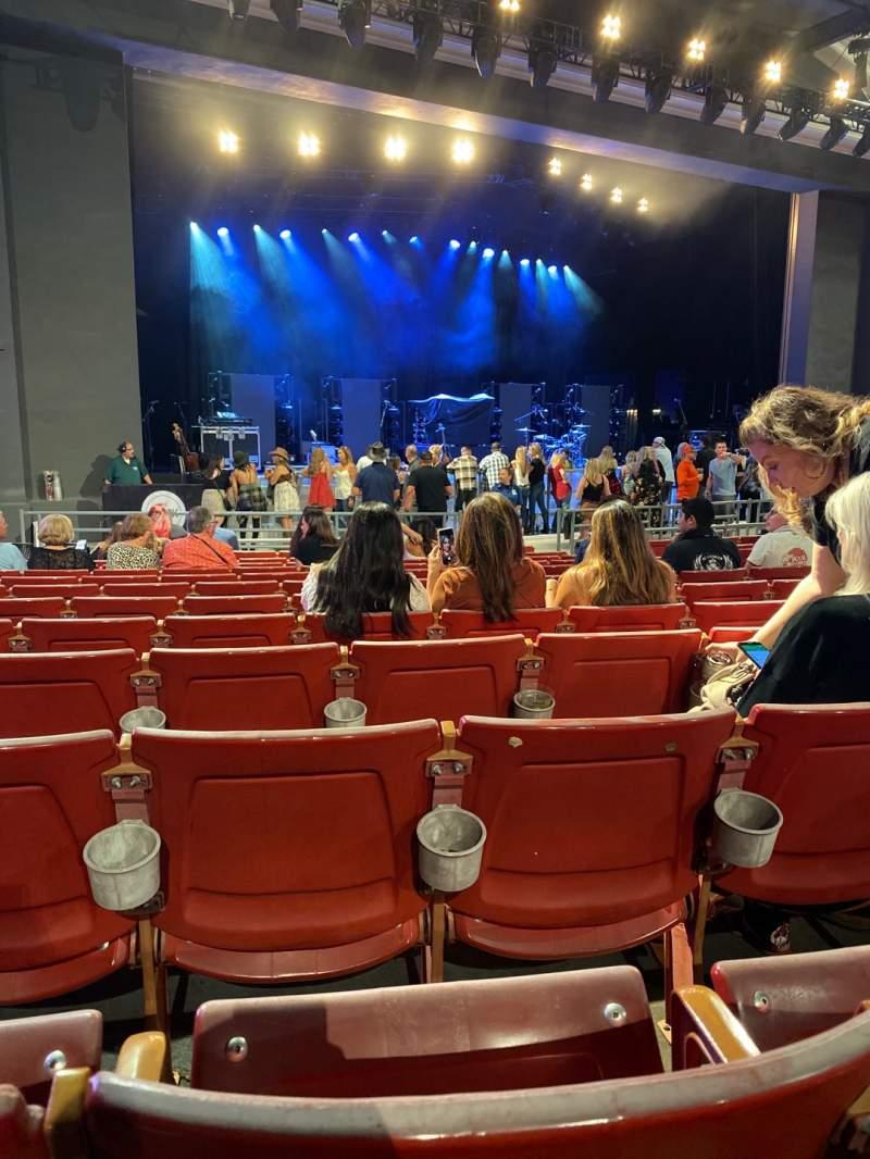Vista sentada para The Greek Theatre Secção A LEFT Fila M Lugar 17