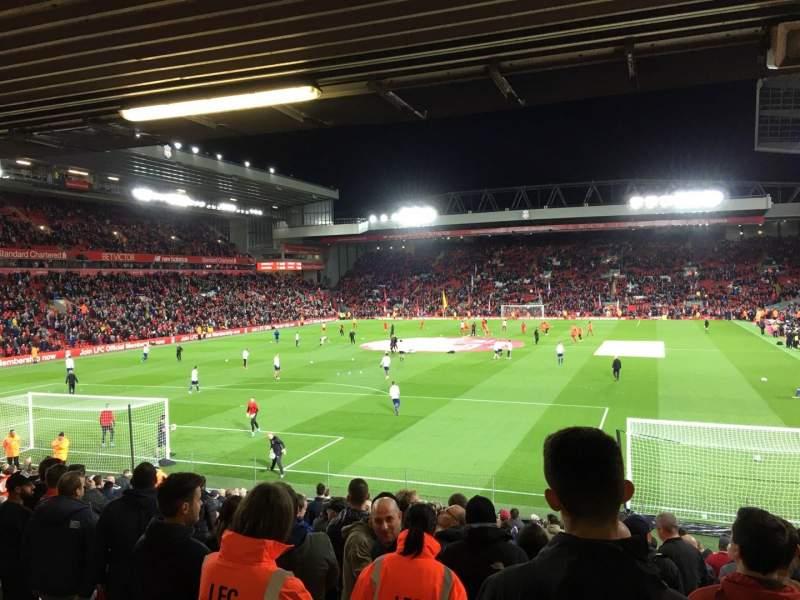 Vista sentada para Anfield Secção 123 Fila 27 Lugar 0058