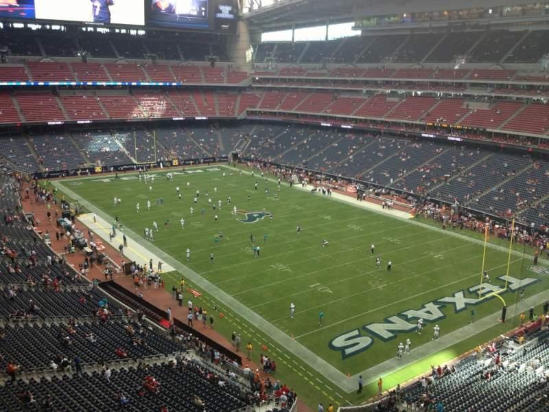 Vista sentada para NRG Stadium Secção 527 Fila H Lugar 1